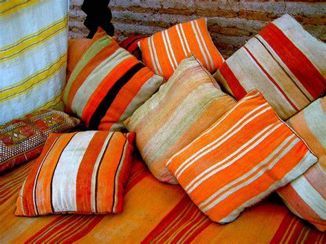 chambre capitonné coussins artisanat marocain artisanat marocain