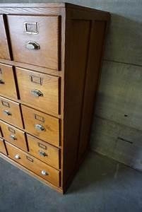 Meuble D Apothicaire : meuble d 39 apothicaire vintage en ch ne avec armement en laiton france 1930s en vente sur pamono ~ Teatrodelosmanantiales.com Idées de Décoration