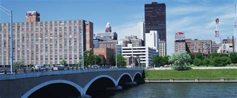 gas l des moines closing 108 hotels near fargo arena in des moines ia expedia