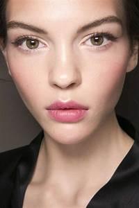 Astuce De Maquillage Pour Les Yeux Marrons : no make up look avec un maquillage discret ~ Melissatoandfro.com Idées de Décoration