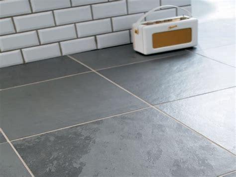 piastrelle bagno adesive piastrelle adesive bagno piastrelle come applicare le