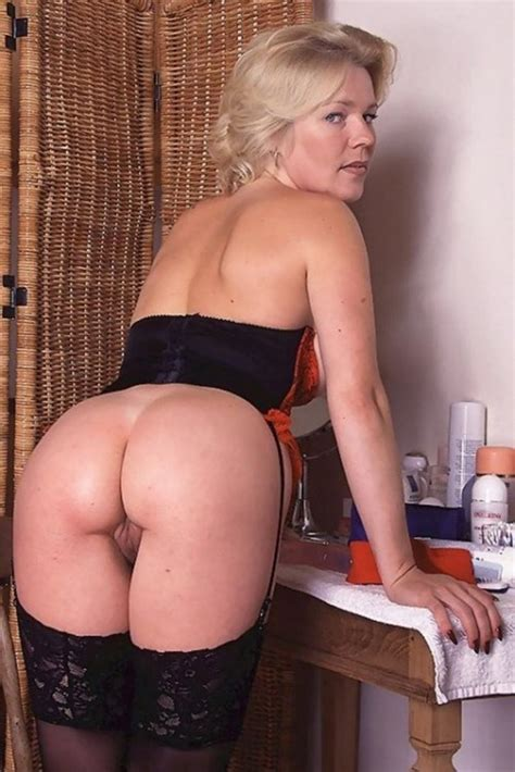 Older Women In Stockings MILFs Pictures Pictures