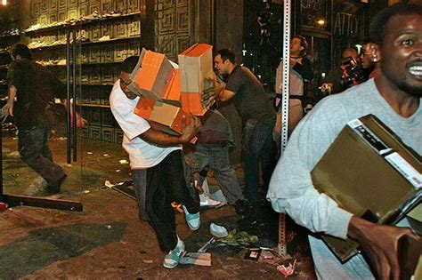 shoe store looted  los angeles lakers riots