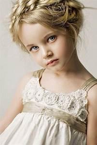 des coiffures pour petites filles qui vont vous faire With maison a finir soi meme 13 mariage quelle coiffure pour cheveux crepus boucles et