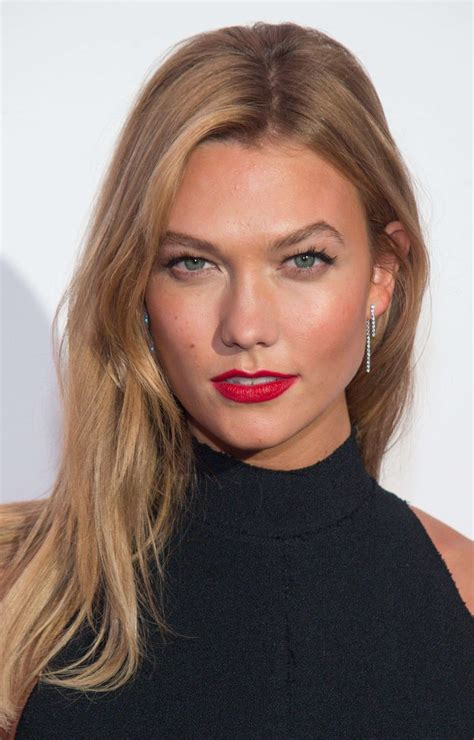 Karlie Kloss People Sexy Work Outfit