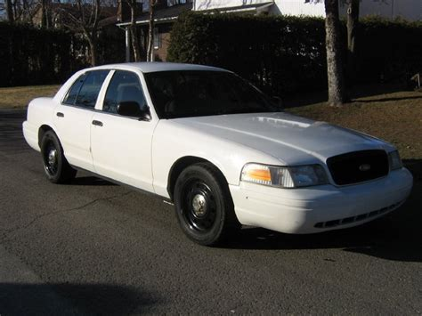 all car manuals free 2010 ford crown victoria lane departure warning 2006 ford crown victoria overview cargurus