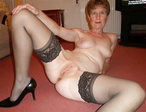 granny grandma old ladies legs open waiting 36 pics