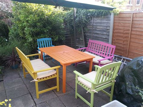 candy summer garden furniture  painted table