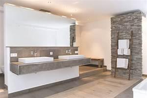Wandbilder Für Badezimmer : die besten 25 badezimmer naturstein ideen auf pinterest badezimmer braun wandbilder xxl und ~ Frokenaadalensverden.com Haus und Dekorationen