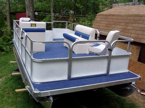 Mini Boat Manufacturers by 25 Unique Mini Pontoon Boats Ideas On Food To