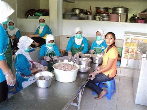 hani kusdaryanti pengusaha makanan olahan ikan fania food blog indonesia entrepreneur