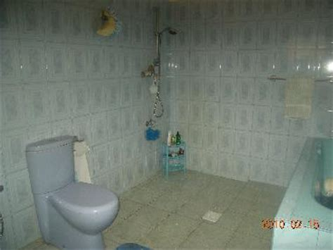 Simple Bathroom Designs In Sri Lanka by Bed And Breakfast Beruwela Happy House Bed And Breakfast