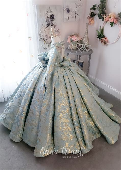 versailles gown  anna triant couture