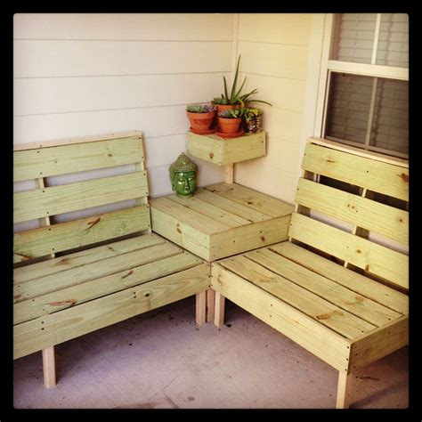 diy patio furniture       perfect size