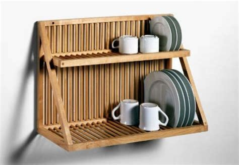 traditional wooden plate rack