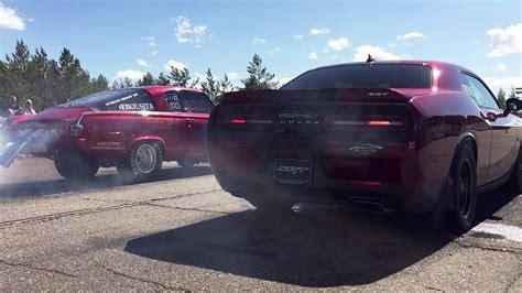 11+ Dodge Challenger Srt 392 Vs Tesla 3 Performance Background