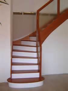 Escalier Couleur Bois escalier bois et blanc mzaol com