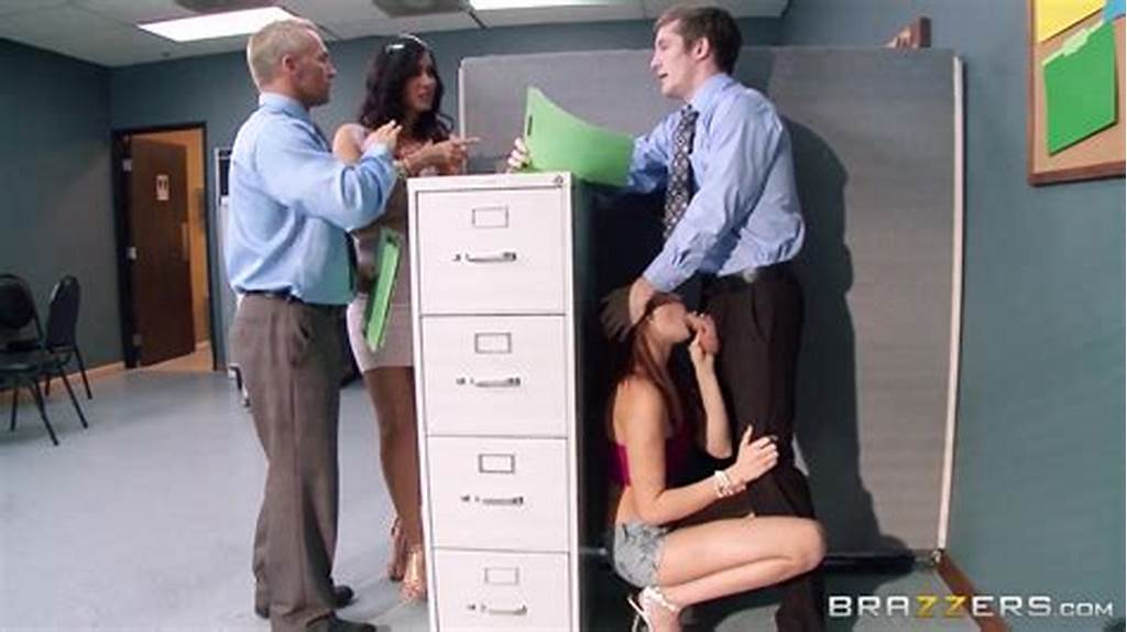 #Amateur #Porn #Video #Exposes #Clerk #Having #Office #Sex
