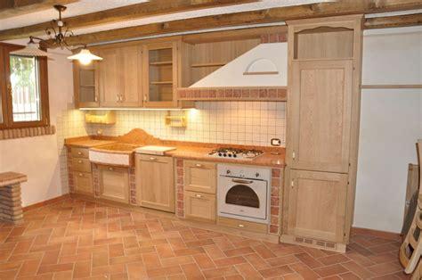 Foto Cucine Rustiche In Legno ante in legno per cucina in muratura missionmeltdown