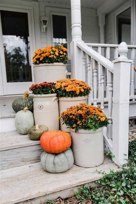 Top 22 Truly Cool Ideas To Add Fall Curb Appeal To Home
