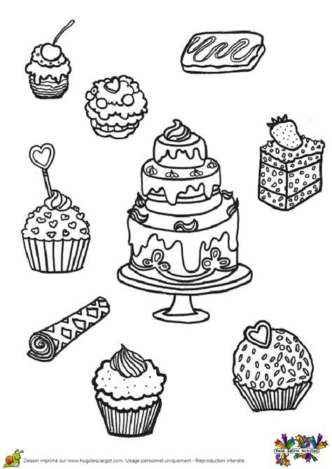 jeux de cuisine de gateaux d anniversaire coloriage cupcakes et gâteaux hugolescargot com