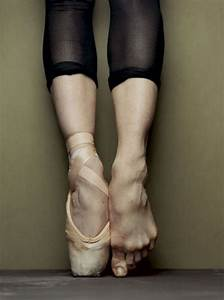 What's Your Pointe? - Kisses & Chaos