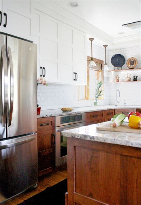 kitchen cabinets white on top on bottom stunning kitchen designs with two toned cabinets 9862