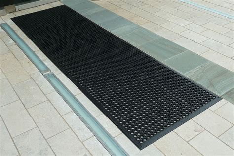 anti fatigue mats outdoor rubber honeycomb entrance mats mats nationwide