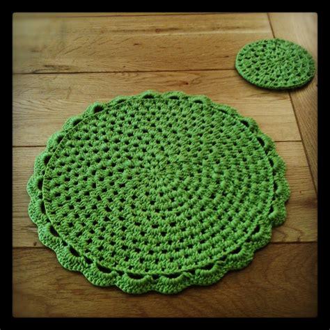 crochet doormat crochet doily place mats theyarecrafty