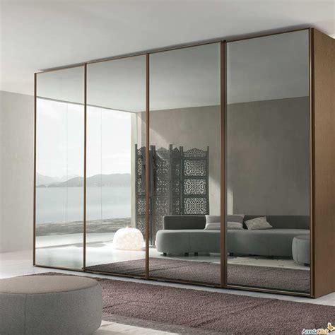 sliding mirror closet doors  carpet flooring