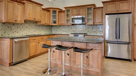 j and k cabinets pricing need cabinets shop j k cinnamon maple glaze cabinets
