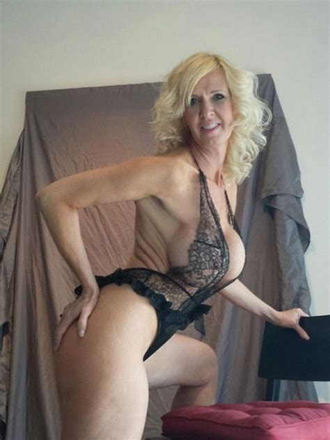 Pin On Women Mature Cougar