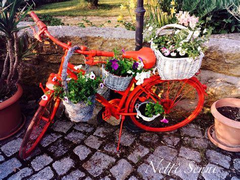 Gartendeko Fahrrad by Altes Fahrrad Zum Blumenst 228 Nder Umfunktioniert