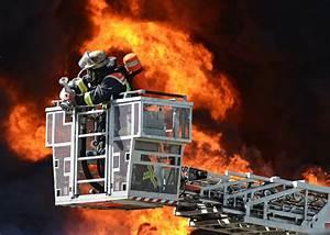 Coole Feuerwehr Hintergrundbilder : gro brand rewe foto bild reportage dokumentation hilfsorganisationen im einsatz feuerwehr ~ Watch28wear.com Haus und Dekorationen
