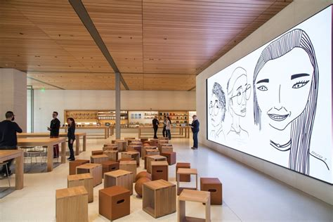 apples expansive  seattle store seeks   brick