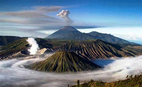foto pemandangan gunung semeru  menakjubkan
