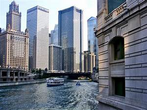 Architecture boat tour of chicago coupons and review for Architectural boat cruise chicago