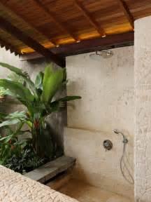 18 Tropical Bathroom Design Photos - BeautyHarmonyLife