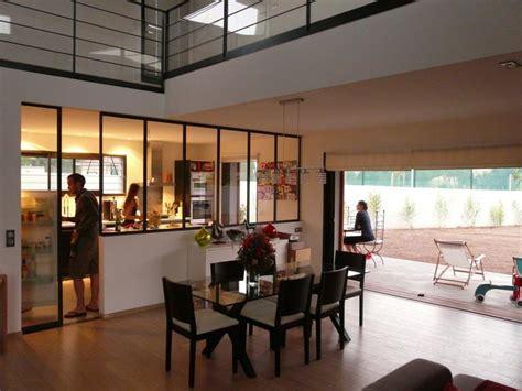 verriere entre cuisine et salle à manger communication visuelle entre séjour et cuisine par la