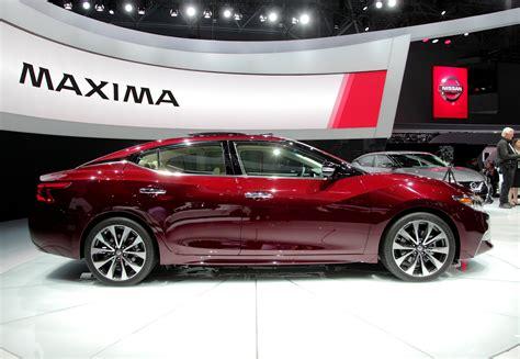 car nissan 2016 2016 nissan maxima video first look 187 autoguide com news