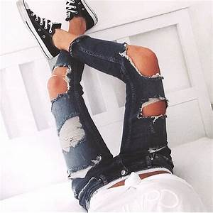 Ripped jeans *_* - image #3270199 by marine21 on Favim.com