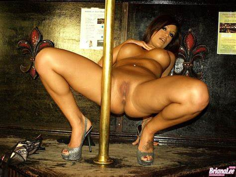 Romantic Pole Waiting For Her Gal Cleavage Penis Dancing