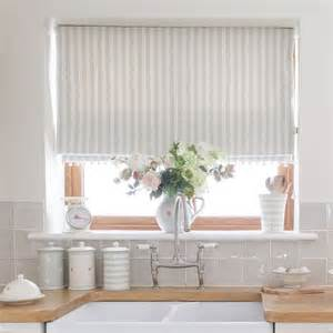 Kitchen Curtain Ideas With Blinds by 25 Best Ideas About Kitchen Window Blinds On