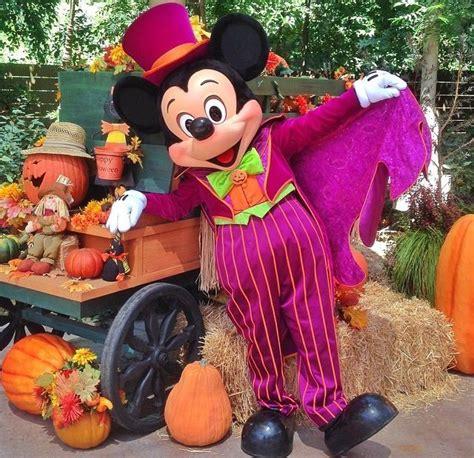 Mickey Mouse Disneyland Halloween