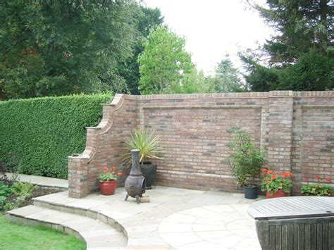 Bauanleitung Ziegelmauer Fuer Den Garten by Gartenmauer Aus Ziegelsteinen Selber Bauen Anleitung