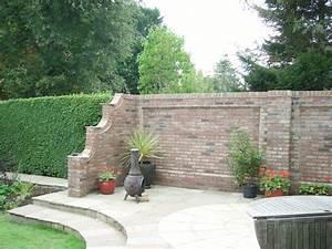 Gartenmauern Aus Stein : gartenmauer aus ziegelsteinen selber bauen anleitung ~ Michelbontemps.com Haus und Dekorationen