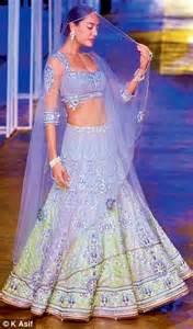 bridal india fashion week   finale bridal carnival