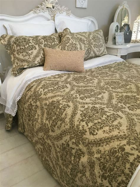 King Quilted Bedspread by King Size Quilt 100 Cotton Reversible Quilted Bedspread