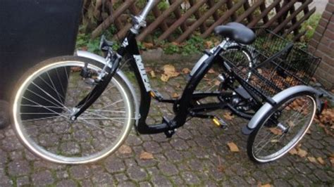 fahrrad tiefer einstieg gebrauchte dreir 228 der mit zwei r 228 dern hinten dreirad f 252 r erwachsene