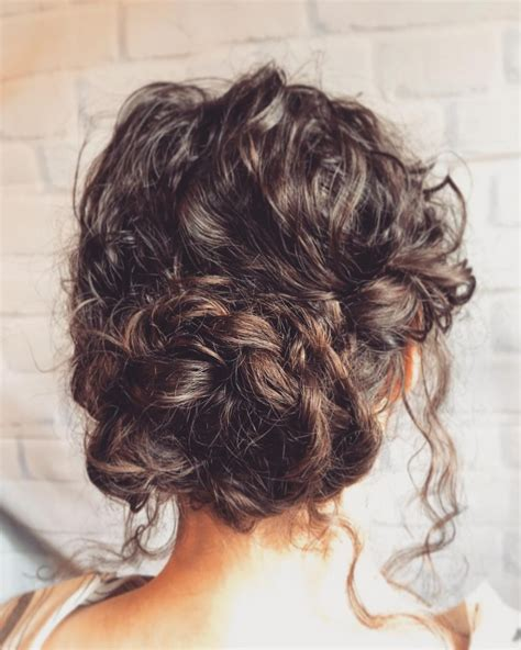 18 Stunning Curly Prom Hairstyles for 2020 Updos Down